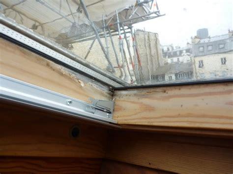 changer joint salle de bain moisi moisissure sur bois v 233 r 233 solu