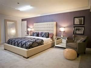 Wandgestaltung lila wei grau interessante for Wandgestaltung schlafzimmer lila