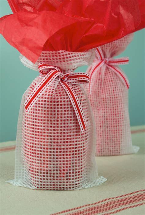 creative wine bottle wrapping ways  impress