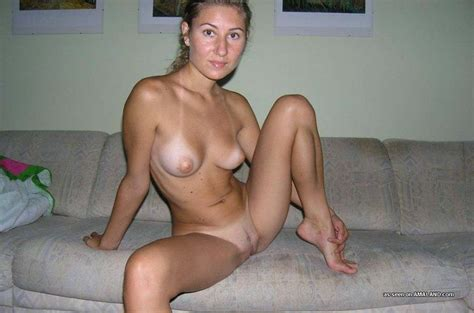 Hot naked wife spreads