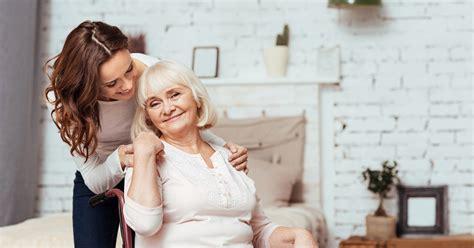 la colocation senior étudiant ou logement intergénérationnel quand jeunes et seniors