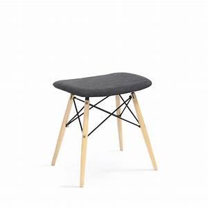 Tabouret Bois Design : tabouret design skoll tissu gris anthracite et bois par ~ Teatrodelosmanantiales.com Idées de Décoration