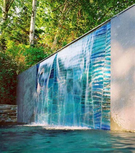 Schoene Gartenidee Mit Aussenwand Wasserfall by Sch 246 Ne Gartenidee Mit Au 223 Enwand Wasserfall Freshouse