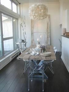 Voici la salle a manger contemporaine en 62 photos for Meuble salle À manger avec chaises salle À manger transparentes