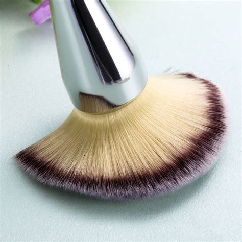 silver makeup cosmetic powder foundation brushes contour
