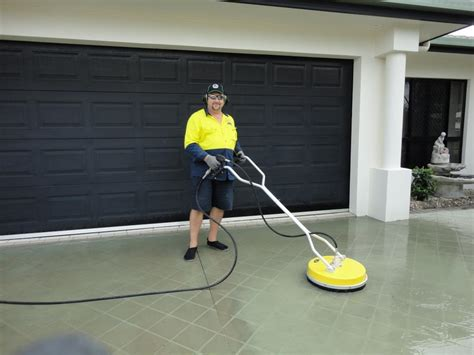 townsville spray pave stencilling townsville charters