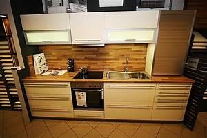 Küchenschrank Hochglanz Vanille : alno musterk che alno musterk che alnosign hochglanz vanille mit stangengriffen ~ Indierocktalk.com Haus und Dekorationen
