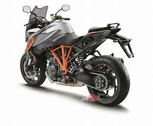 Ktm 1290 Super Duke Gt : video review ktm 1290 super duke gt bike review ~ Medecine-chirurgie-esthetiques.com Avis de Voitures