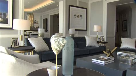 Brian Gluckstein designs a living room using blue - YouTube