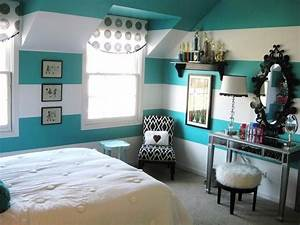 bedroom accessories for a teenage girl39s bedroom with With teenage girl bedroom wall designs