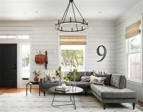 remodelaholic    fixer upper living room