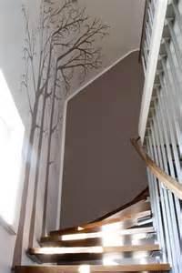 treppenhaus wandgestaltung die besten 17 ideen zu treppenhaus auf geschlossene veranden treppe und offenes