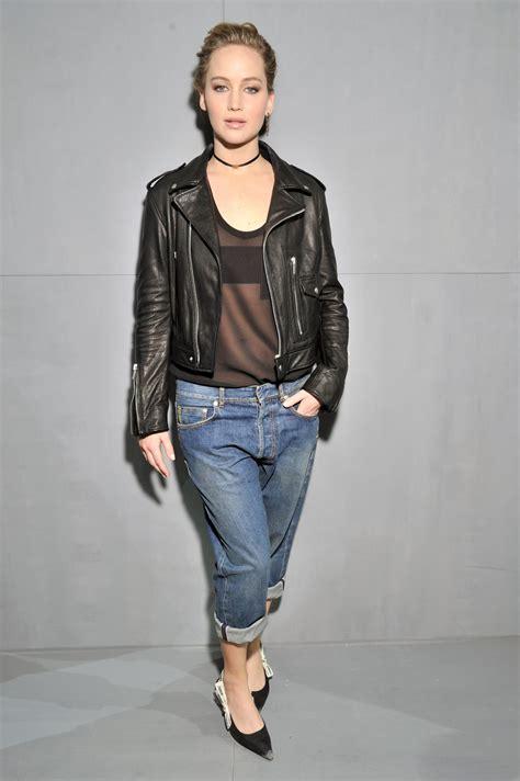 jennifer lawrence christian dior show  paris fashion