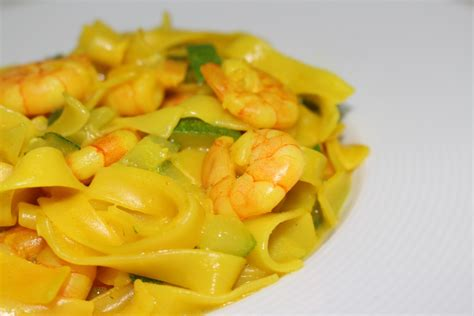 pates au crevettes curry 28 images p 226 tes aux crevettes chanterelles et tomates cerises