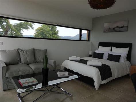 fenetre chambre fenêtre panoramique chambre 257379 chambre design et