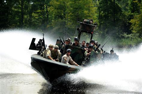 Special Boat Service Us Navy by File Us Navy 110817 N Lo372 339 Sailors From Special Boat