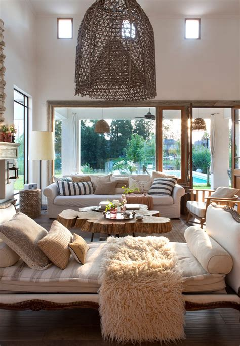 salon  chaise longue cama mesa de centro de madera
