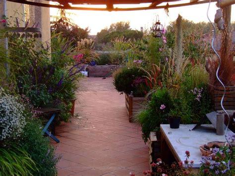 foto terrazzi terrazzi arredati con piante foto nanopress donna