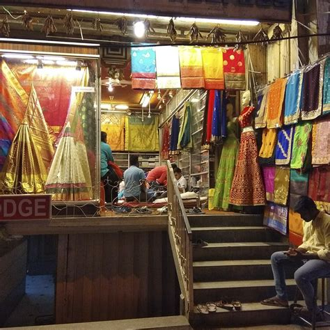 chickpet bangalore  places  shopping food