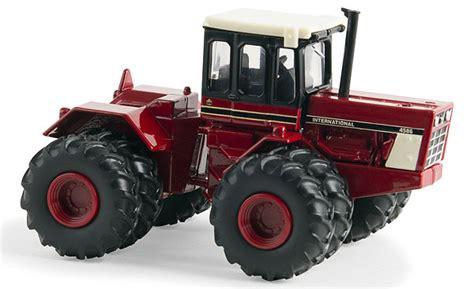 ertl toys international harvester  wd tractor