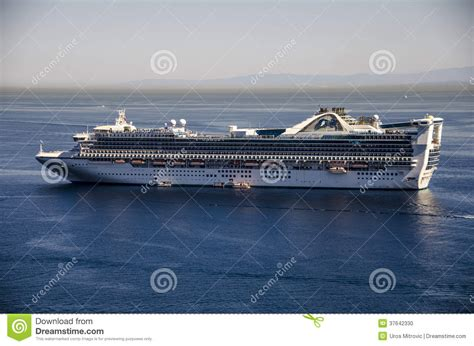 PRINCESS CRUISES SHIP CATALINA ISLAND Editorial Image - Image 37642330