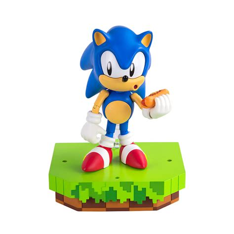 Sonic the Hedgehog Ultimate Sonic Figure | The Gamesmen