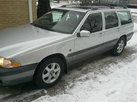 purchase   volvo  xc awd wagon  door