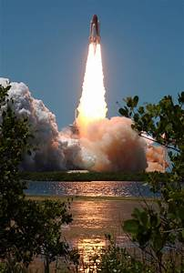 File:NASA STS-121 Launch.jpg