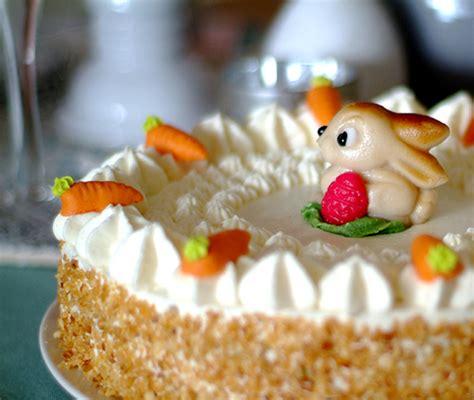 ostertorten mit eierlikoer ruebli torte mit verpoorten