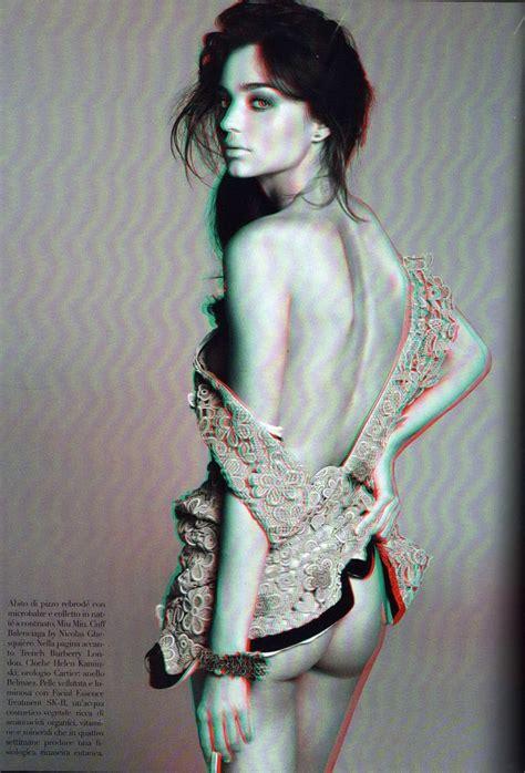 Miranda Kerr Topless In 3d 15 Photos Thefappening