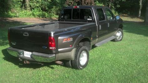 purchase   ford  lariat super duty crew cab