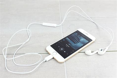 how to get iphone headphones how to use normal headphones with iphone 7