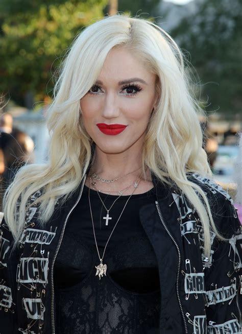 Gwen Stefani – Moschino S/S 2019 Menswear And Women's ...
