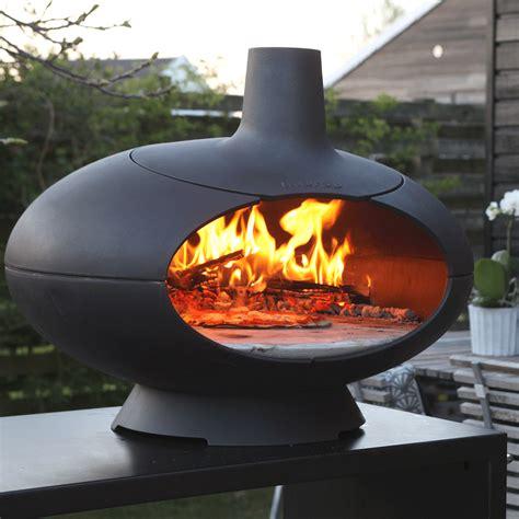 cuisiner sur plancha morso forno four à pizza au bois en fonte lm30 lifestyle