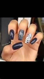 Beautiful Black Nail Art Designs