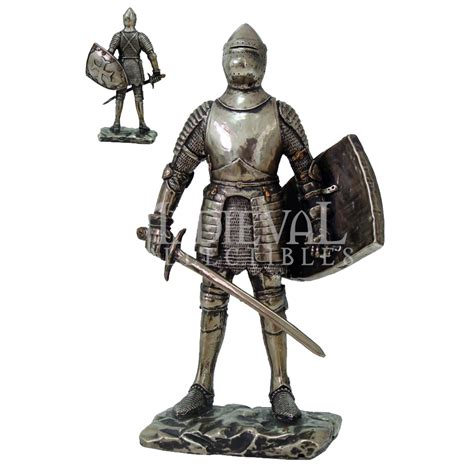Valiant Medieval Knight Statue - CC8717 from Dark Knight