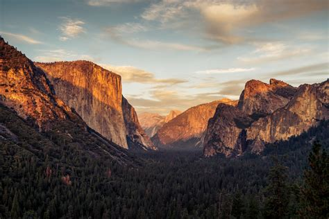 Man Woman Fall To Death From Yosemite National Parks