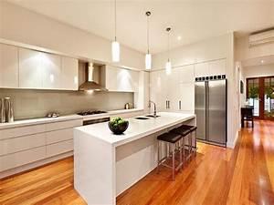 Modern island kitchen design using hardwood - Kitchen