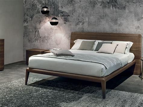 Come sostituire le doghe del letto. Letto moderno con giroletto Prado Tomasella a prezzo ribassato