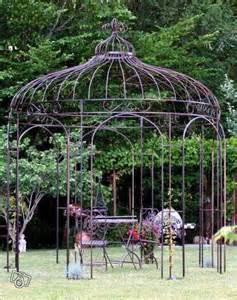 Gloriette De Jardin Avec Banc by Les 25 Meilleures Id 233 Es Concernant Gloriette Fer Forg 233 Sur