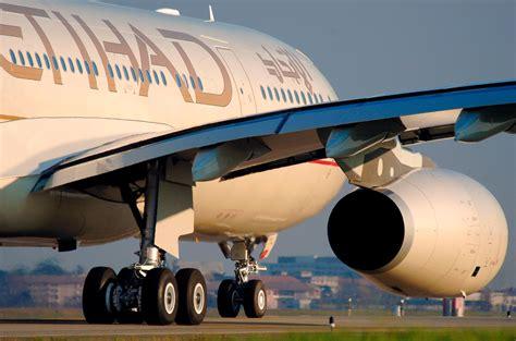 premium service  etihad airways  long flights easy