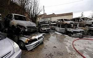 Mettre Voiture A La Casse : gond pontouvre 16 une soixantaine de voitures br l es dans une casse sud ~ Gottalentnigeria.com Avis de Voitures