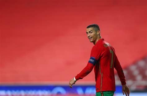 How many goals Cristiano Ronaldo needs to become ...