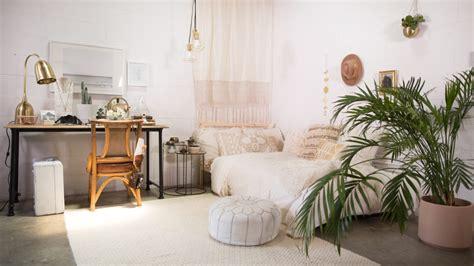 Dorm Room Decor, Ways