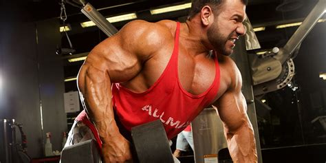 5 Exercises to Make Your Lats Flare (Plus Workout!)