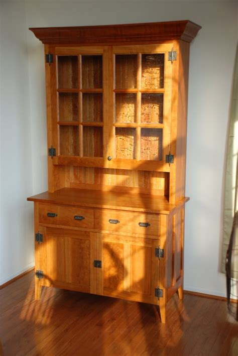 cherry hutch  tauntons plans finewoodworking