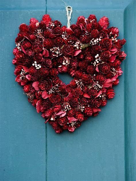 pretty  diy valentines day wreaths