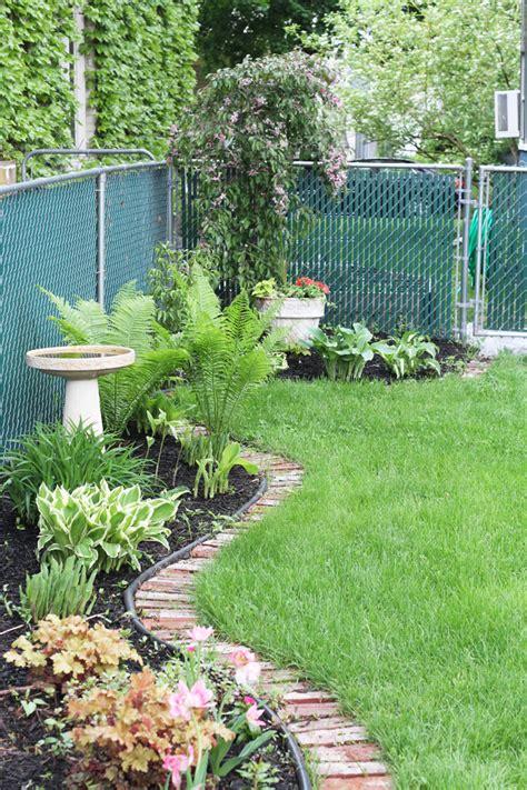 My May Garden  Deuce Cities Henhouse