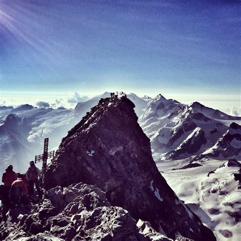 vue sur le sommet suisse du cervin depuis le sommet italien ctoc org