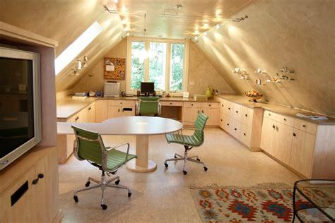 Beautiful Attic Apartment With Clever Design Features : 阁楼装修效果图 美式阁楼厨房装修设计图片_土巴兔装修效果图